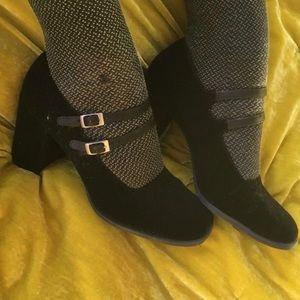 Vintage 80s/90s Black Velvet Mary Jane Heels